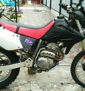Honda XR250R 2000 года