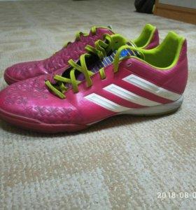 Грунтовки для футбола adidas(покупались в adidas)