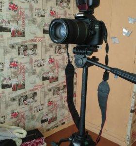 Зеркалка EOS Canon 550