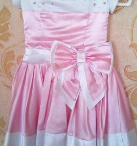 Платье на девочку от 4 лет. Праздничное