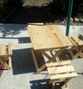Набор из стола и 4 стульчиков