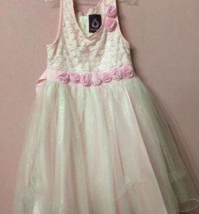Нарядное платье на 5 -6 лет