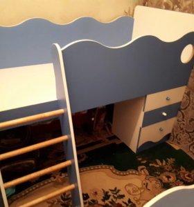 Детские кровати и комод
