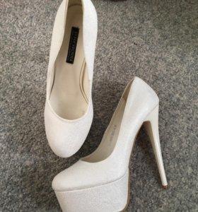 Лабутены туфли