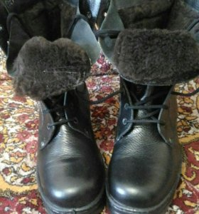 Обувь(берцы)