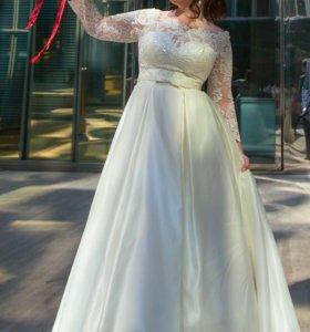 Свадебное платье кружевное,карсет,открытые плечи
