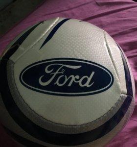 Футбольный мяч Ford