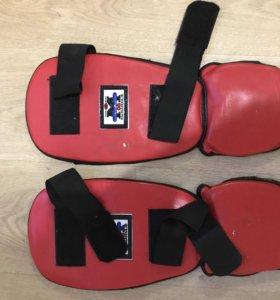 Щитки на ноги для единоборств/тхэквондо/боевых ис