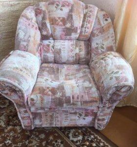 Продам 2 кресла в хорошем состоянии 4 т