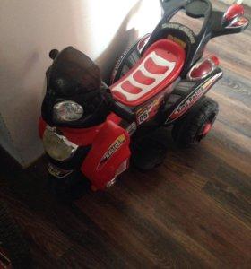 Мотоцикл управление педаль на аккумулятор