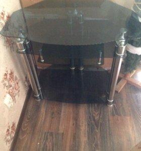 Стеклянный стол под телевизор и техники