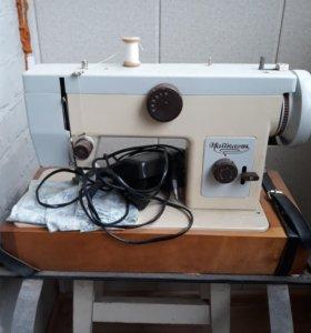 Швейная машинка с эл.приводом