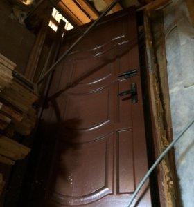 Дверь Высота 2 метра , ширина 85 см