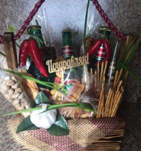 Подарки в деревянных ящиках