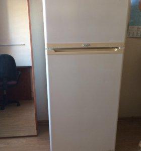 "Двухкамерный холодильник ""Stinol"", б/у"
