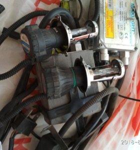 Лампы на автомобиль Би-ксенон (с крепежами)