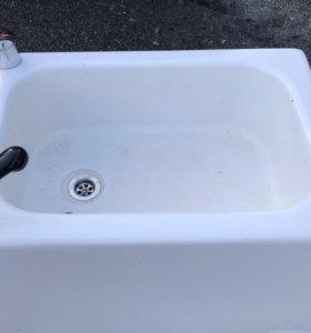 Ванночка для педикюра на колёсах