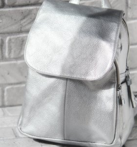 Стильный серебристый рюкзак Nikki Nanaomi