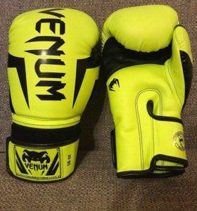 Перчатки Venum Elite 16 oz