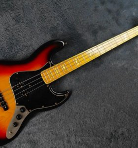 Fresher Personal Jazz Bass 75 Made in Japan 80's