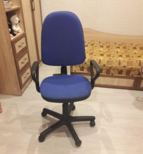 Продам офисный стул