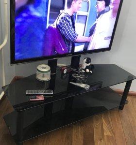 Стеклянная тумба для телевизора с кронштейном