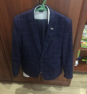 Продаю костюм размер 46-48
