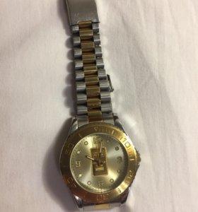 Часы (с золотым слитком)