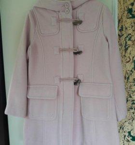 Пальто Бенеттон для девочки 5-6 лет(120см) на