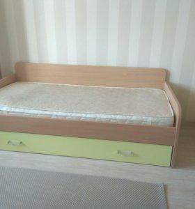 Кровать с большим ящиком/ сп.м