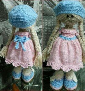 Вязаная интерьерная кукла
