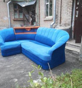 Отличный большой угловой диван