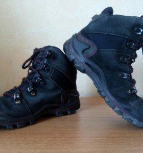 Демисезонные ботинки , фирма ecco, размер 31