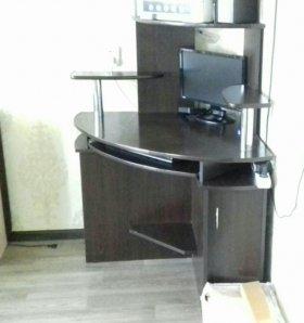 Чёрный компьютерный стол,угловой