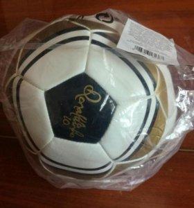Классический футбольный мяч от Роналдиньо