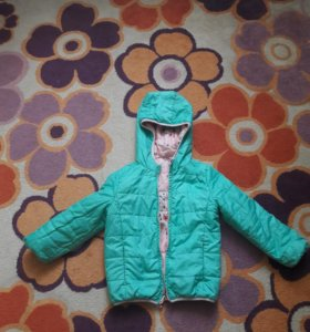 Демисезонная двусторонняя куртка на девочку