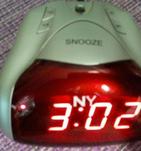 Часы электронные.