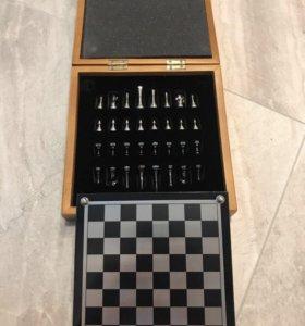 Шахматы металлические. Подарочный набор.