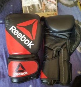 Боксерские перчатки Reebok 16 oz