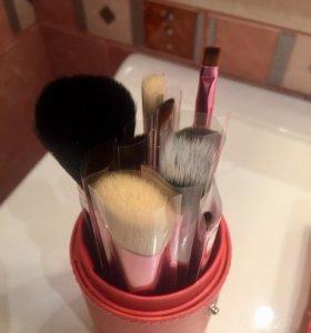 Набор кисточек для макияжа MAC