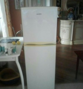 Продаётся холодильник, / EIRON/.