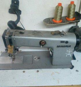 Двух игольная швейная машинка
