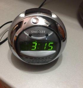 Часы+радио+будильник+проектор на стену