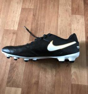 Бутсы для футбола Nike