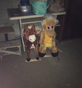 2 коняшки-качалки