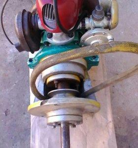 Бензиновый,двухтактный двигатель