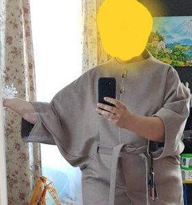 Демисезоннее дизайнерское пальто большого размера