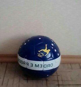 Мячик волейбольный новый