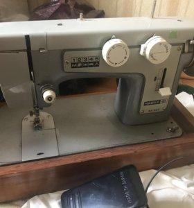 Швейная машина Чайка-III