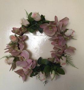 Декоративное кольцо из цветов